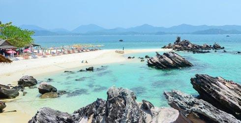 แบกเป้เที่ยว! รวม 5 เกาะ น้ำใส ปะการังสวย ที่หน้าร้อนนี้ไม่ควรพลาด